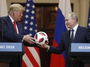 """Шварценегер: Тръмп изглеждаше като """"варен макарон"""" до Путин ВИДЕО"""