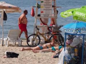 Лекарските кабинети по морето се пръскат по шевовете! Причината - летен грип