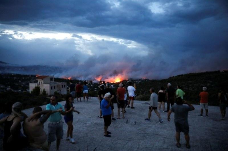 Извънредно положение в Гърция! Най-малко 50 души са загинали при пожарите СНИМКИ и ВИДЕО