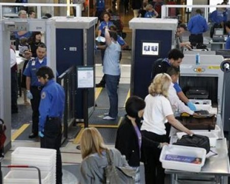 Край на ровенето: Скоро няма да вадим нищо от ръчния си багаж при проверка на летището