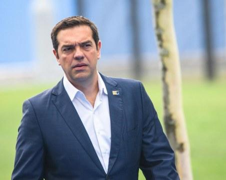 Алексис Ципрас пое политическа отговорност за пожарите в Гърция