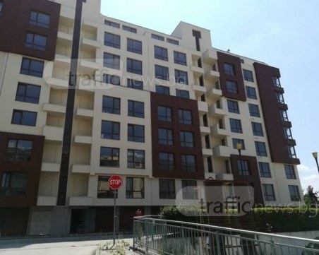 Защо нов жилищен комплекс в Пловдив година и половина е без акт 16?* СНИМКИ