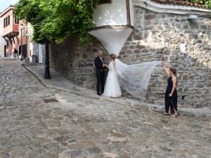 17 влюбени двойки от Пловдив се вричат на 8.08