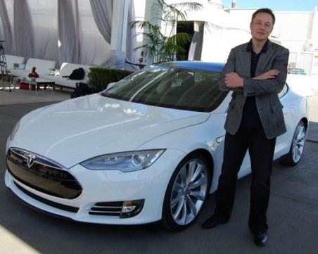 Илон Мъск взриви борсата, като посочи, че иска да купи Tesla и е приготвил парите