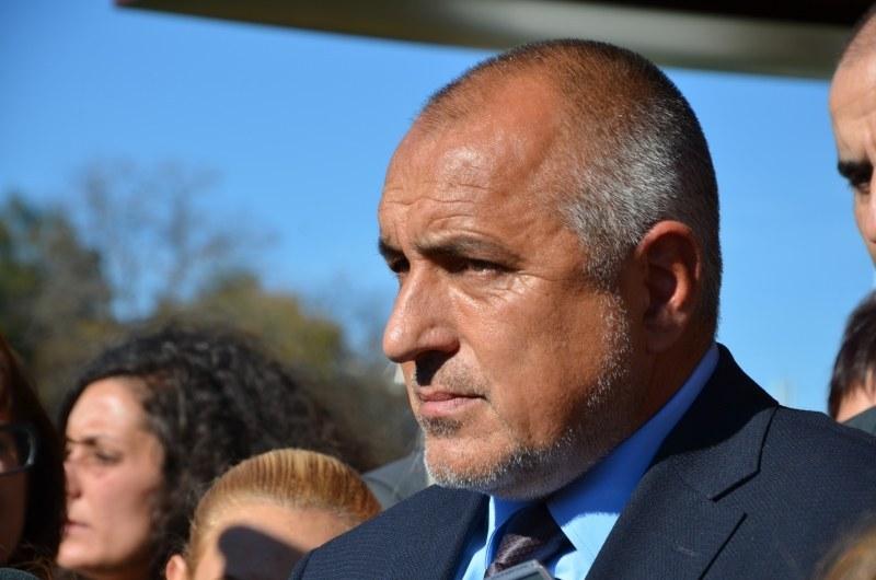 Митници и ГДБОП разбиха канал за трафик на цигари