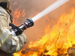 Десет жени загинаха при пожар в старчески дом