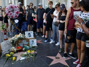 Фенове се събират в цяла Америка, за да отдадат почит на Арета Франклин СНИМКИ