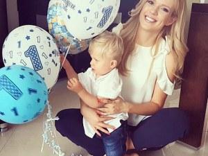 Нели Петкова показа за първи път сина си СНИМКИ
