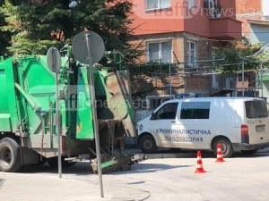 Почина мъжът, премазан от камион за смет в Смирненски СНИМКА