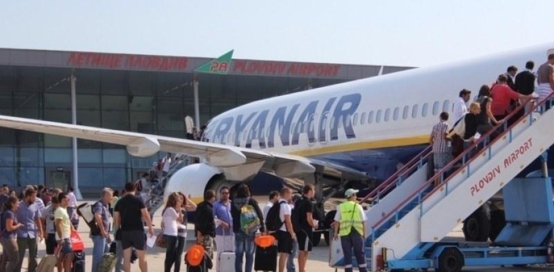 Докато държавата се чуди: Райънеър спира два полета от Летище Пловдив