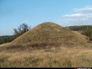 Тракийски вожд със златен венец е погребан край Брезово