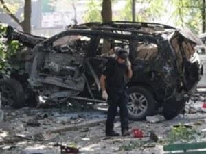 Взривиха джипа на известна телевизионна водеща СНИМКИ