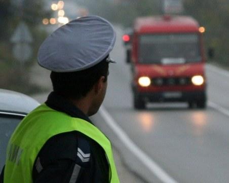 Шофьорите в Полша вече ще карат без книжка и талон