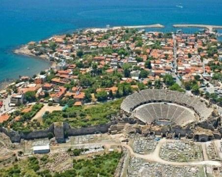 Няма данни за пострадали българи при земетресението в Анталия