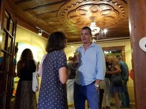"""Художникът Наско Хранов продаде за часове най- """"вкусната"""" си изложба"""