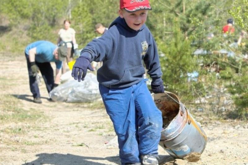 Не чакайте мърлячите да си изчистят боклуците! Хайде да го направим!