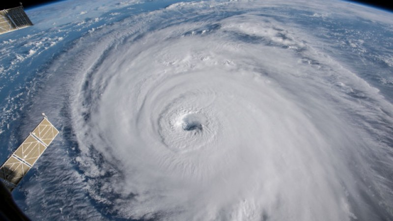 Ураганът Флорънс вече е над Северна Каролина