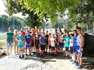 Децата на Академик Бултекс 99 показаха как се чисти СНИМКИ