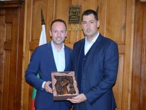 Депутат от германския Бундестаг се впечатли от Пловдив СНИМКИ
