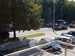 """Полагат асфалт на булевард """"6 септември"""" СНИМКА"""