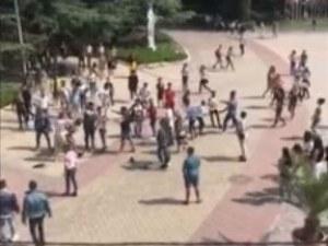 След първия учебен ден: меле заради момиче втрещи казанлъчани ВИДЕО