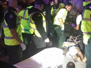 Кола се вряза в тълпа в Лондон! Има ранени СНИМКИ