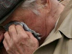 Дядо от пловдивско село олекна с 10 000 лева! Даде ги на ало измамници