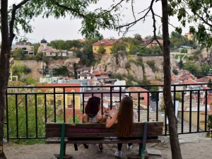И утре ще бъде слънчево! Температурите в Пловдив ще достигнат 27 градуса