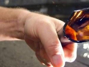 Мъж вилня в заведение, хвърля бутилка и чупи - прибраха го в ареста в Асеновград