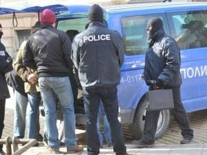 Съдят по бързата процедура петимата с наркотици от полицейския лов в Столипиново