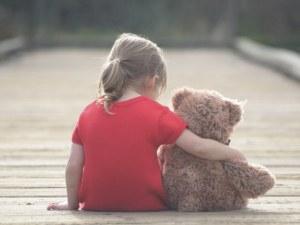 Деца без родител и без наследствена пенсия ще получават месечна помощ
