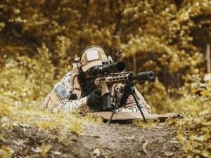 """Изумително! Български снайперист произведе """"невъзможен изстрел"""""""