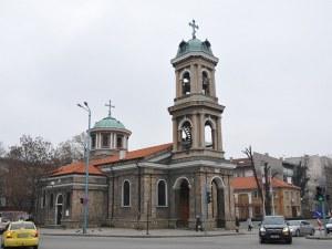 Историята на една от най-красивите църкви под тепетата