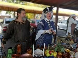 Имперски хляб с 14 вида подправки по рецепта на древногръцки лечители изкуши пловдивчани