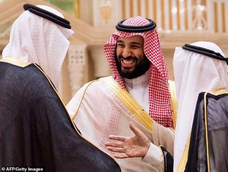 Чулках голи арабски фото мелированными девушками сиськи
