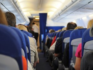10 съвета за по-спокойно пътуване със самолет