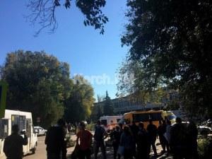 Експлозия избухна в техникум в Крим, жертвите са най-малко 10 ВИДЕО