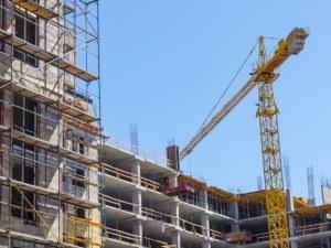 Данъчните инспектират 16 строежа в Пловдив: Изрядни ли са договорите с работниците?