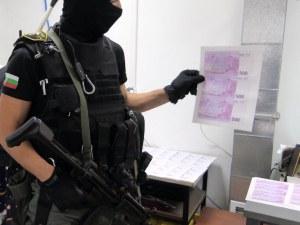 Пловдивски ученик на Митьо Дебелия арестуван в печатницата за фалшиво евро на Слънчев бряг