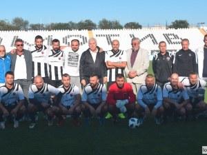 Ветераните на Локо на победа от титлата в Южна България