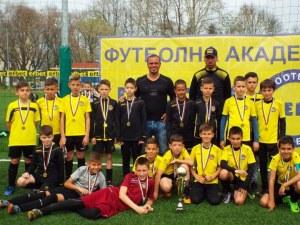 Звезда на Ботев от 90-те събира 20 елитни школи на голям детски турнир СНИМКИ