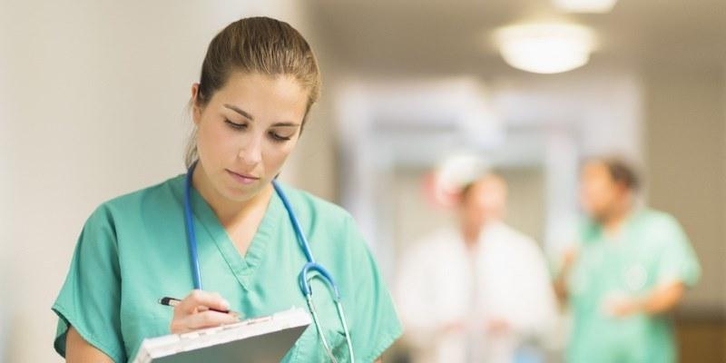 С 200 лева може да скочат заплатите на медицинските сестри