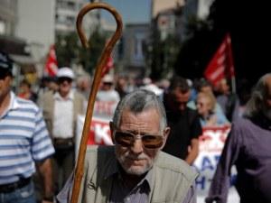 Все повече гръцки пенсионери идват в България, с колко пари живеят?