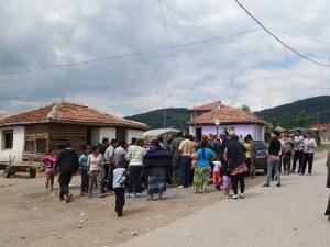 Защо вече втора година не бутат незаконните къщи в ромската махала в Гърмен?