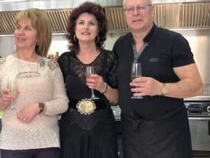 Немец реши да живее в Пловдив и отвори ресторант за вурстчета СНИМКИ