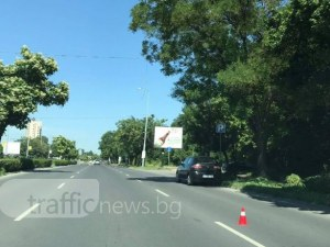 На косъм от пореден инцидент в Пловдив! Кола едва не отнесе млада майка и сина й на пешеходна пътека