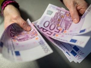 Мъж намери 95 хиляди евро в шкаф втора употреба