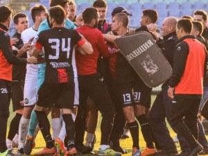 Узунов бесен след наказанията срещу Локо: Нашите играчи сами ли се биха?