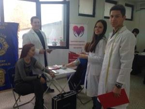 289 учители от Пловдив провериха кръвното си налягане и захарта СНИМКИ