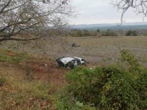 Кола се заби в дърво край Шумен, шофьорът загина